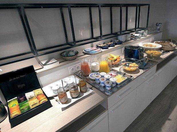 Buffet-petit-dejeuner-hotel-du-port-morlaix