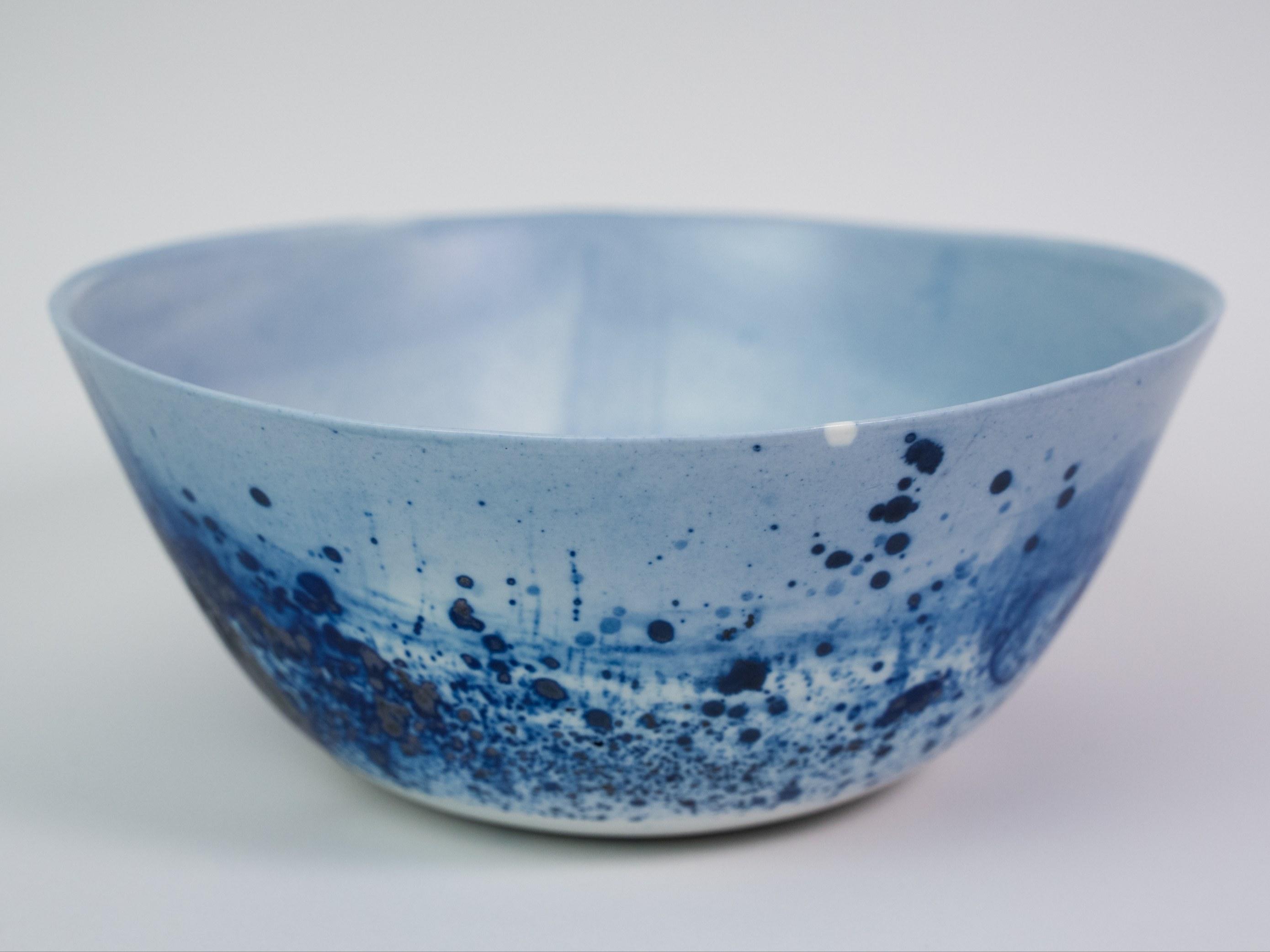 Collection Ligne Bleue -Moyen saladier  porcelaine bleu mat