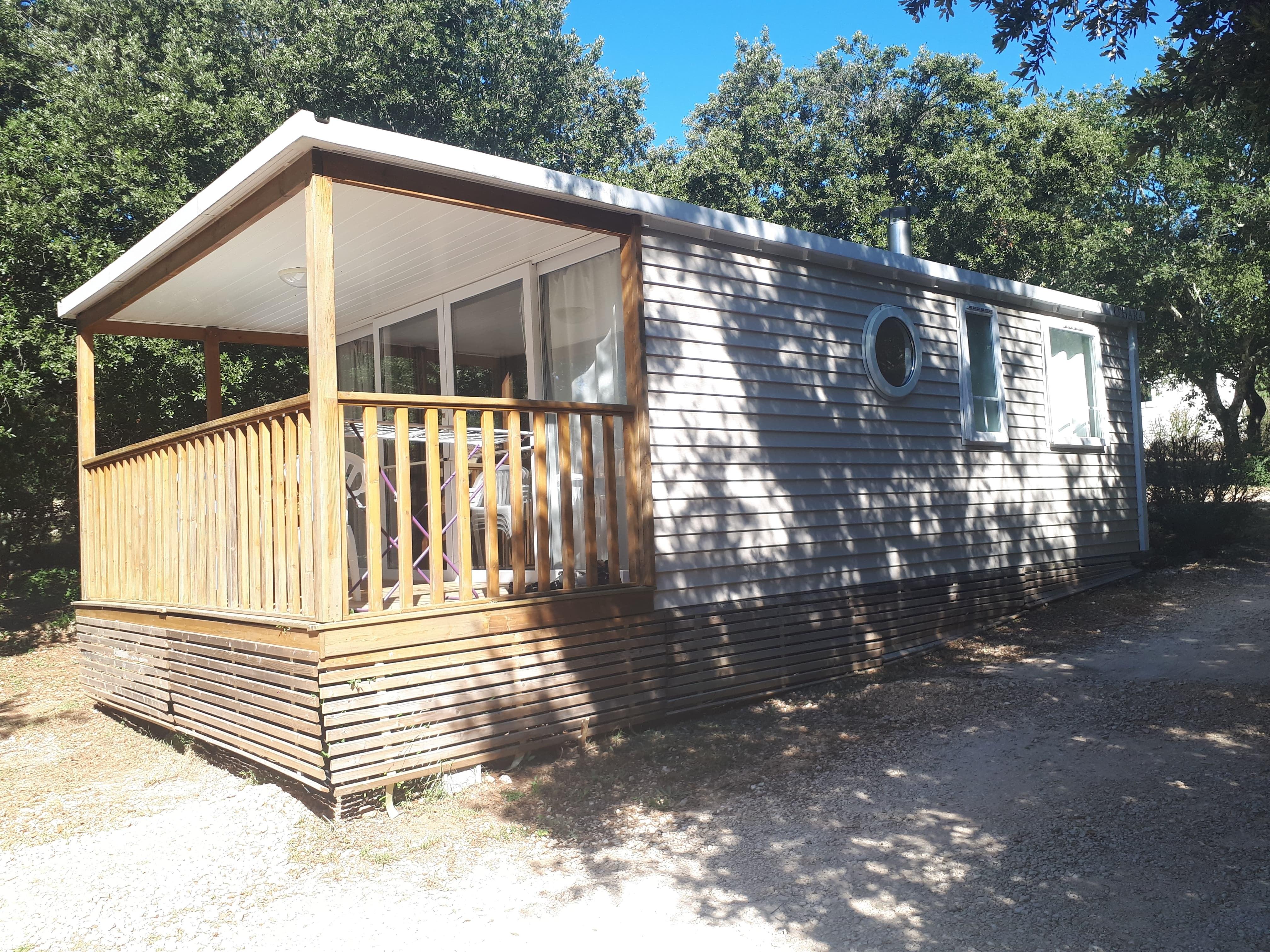 loggia premium exterieur 01 - camping piscine familial proche ardeche gorges