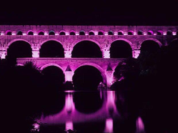 Le Pont-du-Gard illuminé