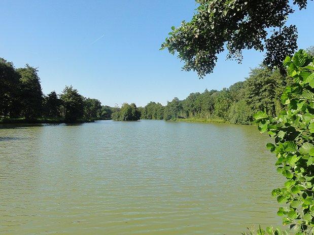 Le plan d'eau pour la pêche.