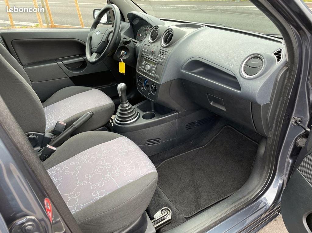 Ford Fiesta 1.2I 75CV