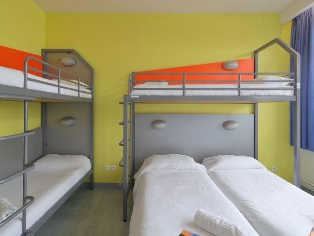 hotel-location-salle-réunion-chambre-lit