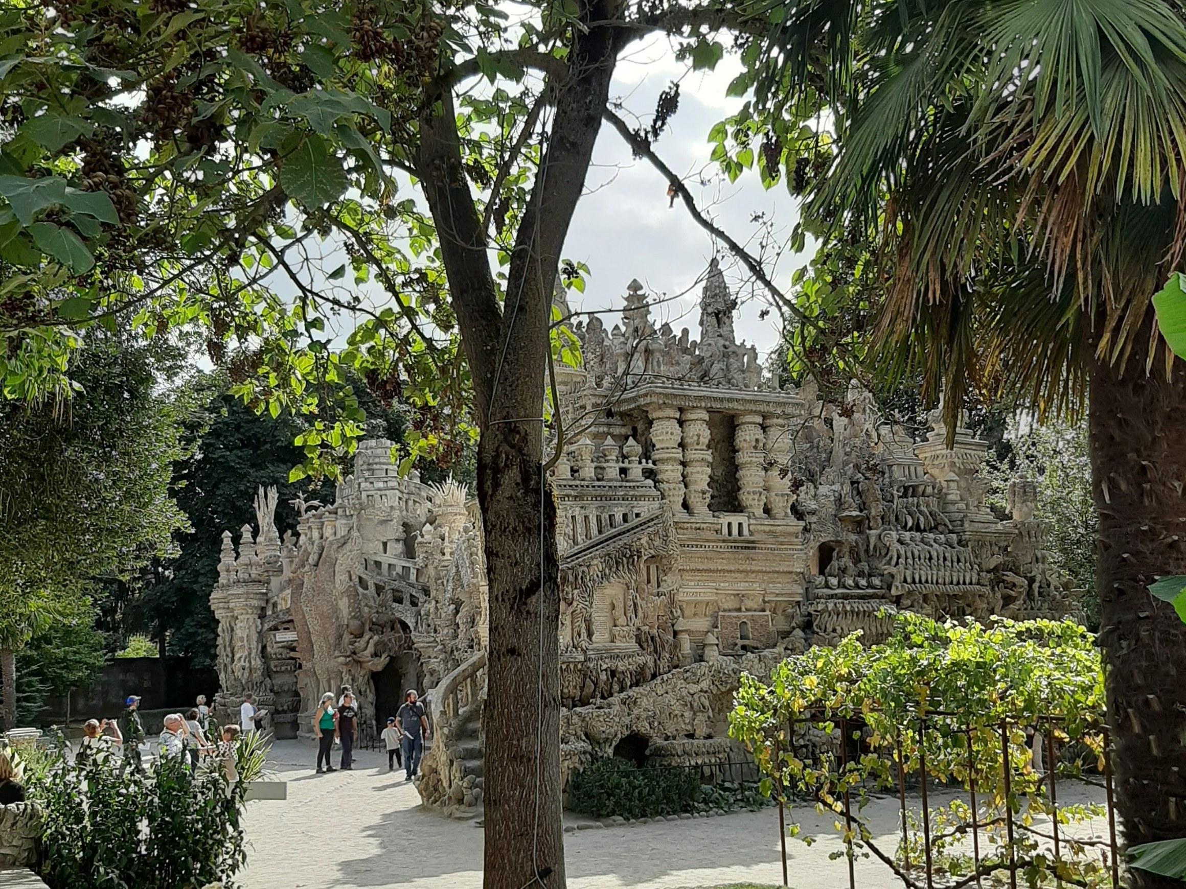 Palais vu de la maison Alicius
