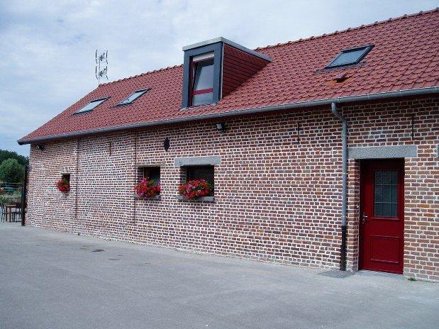Fermette rénovée-briques rouges Nord