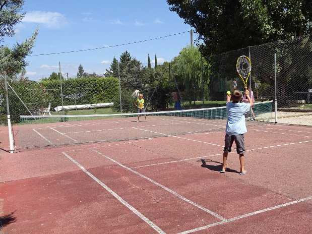 camping l'olivier - nimes - tennis