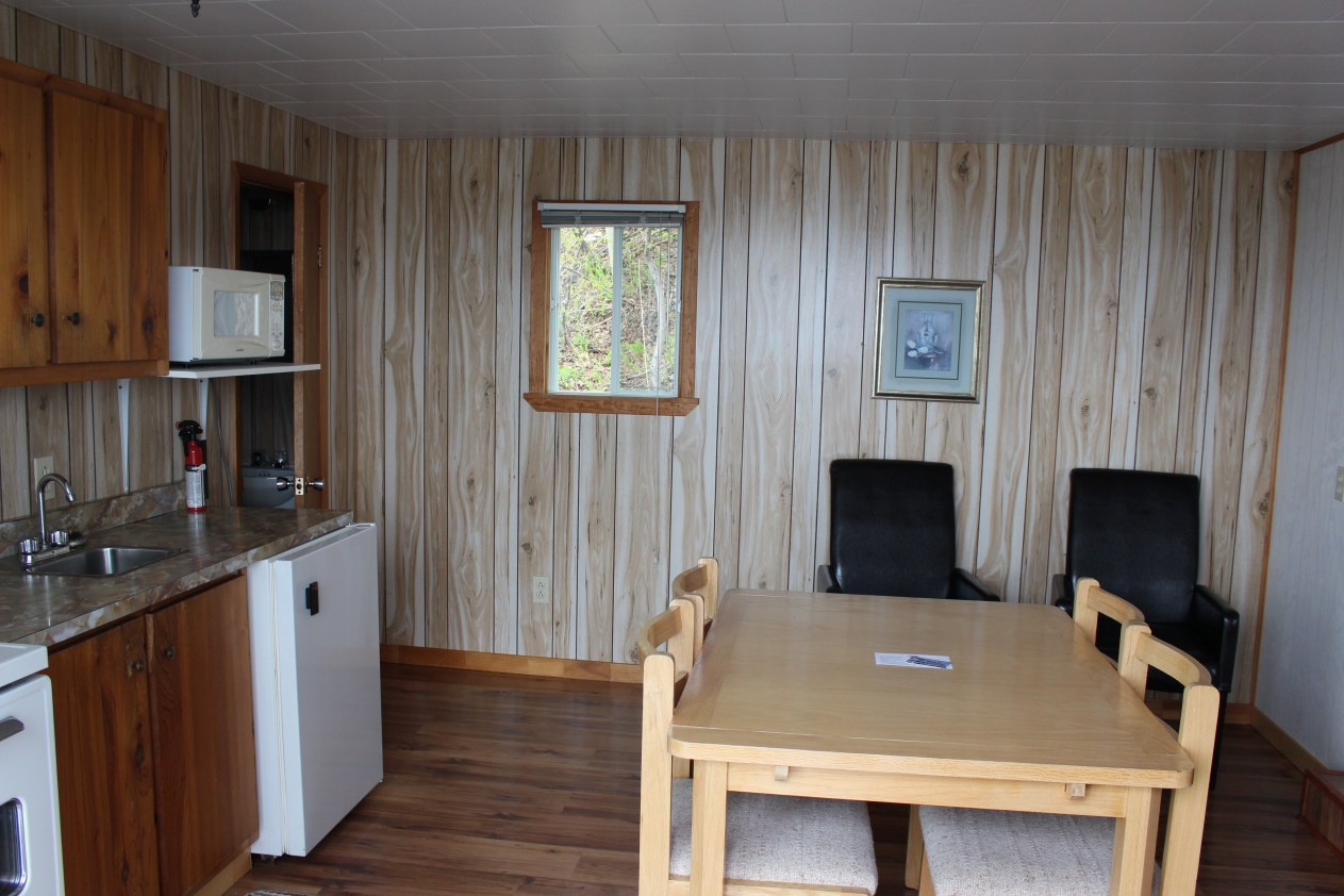 motel-bord-eau-st-simeon-charlevoix-interieur