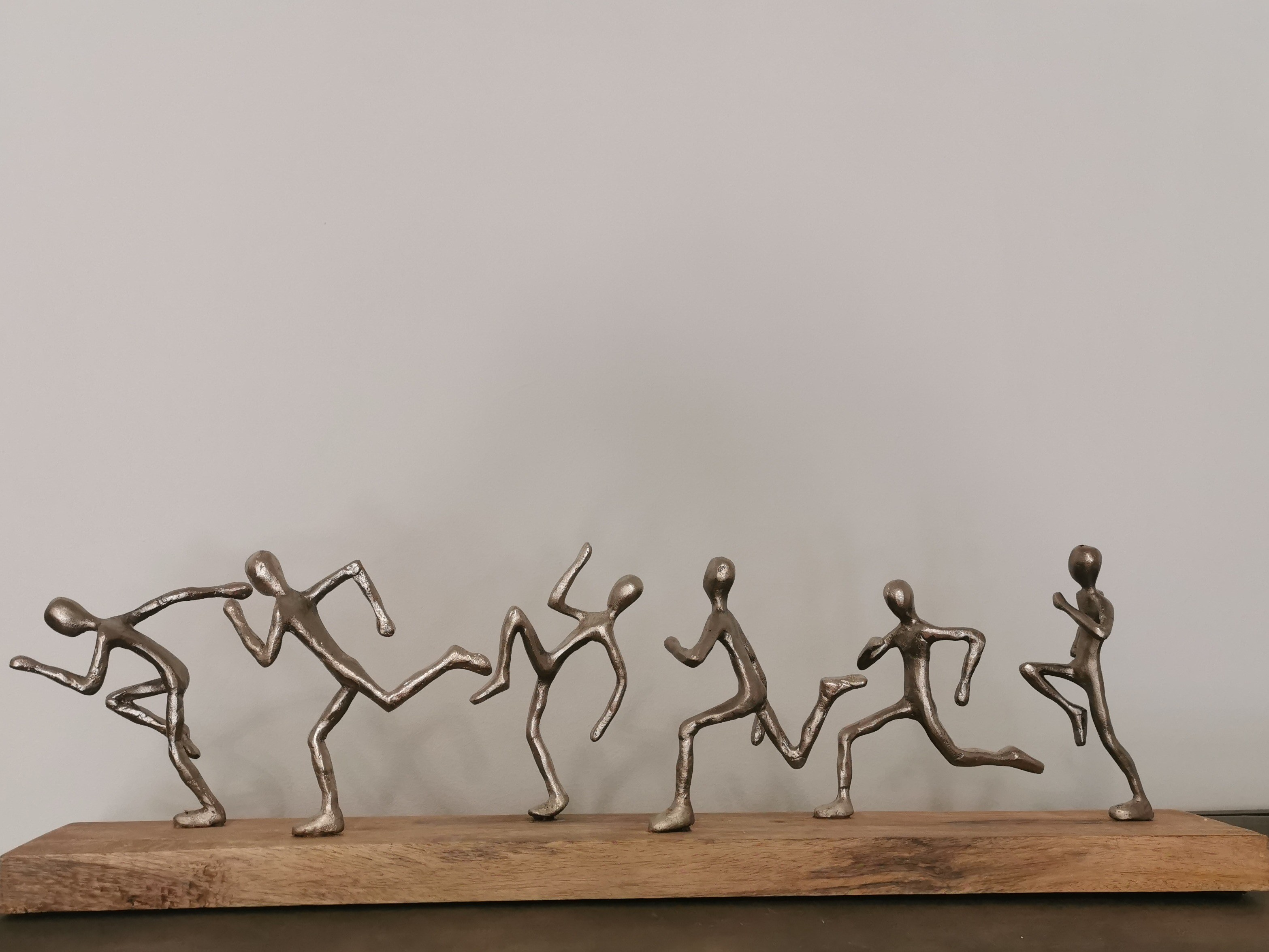 sculpture 6 coureurs