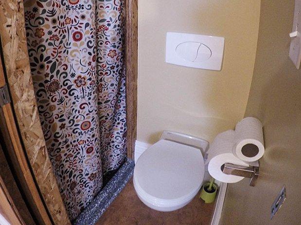 Chambre lit double salle de bains privée