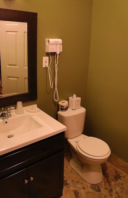 auberge-spa-saint-sauveur-salle-bain-paon-du-jour