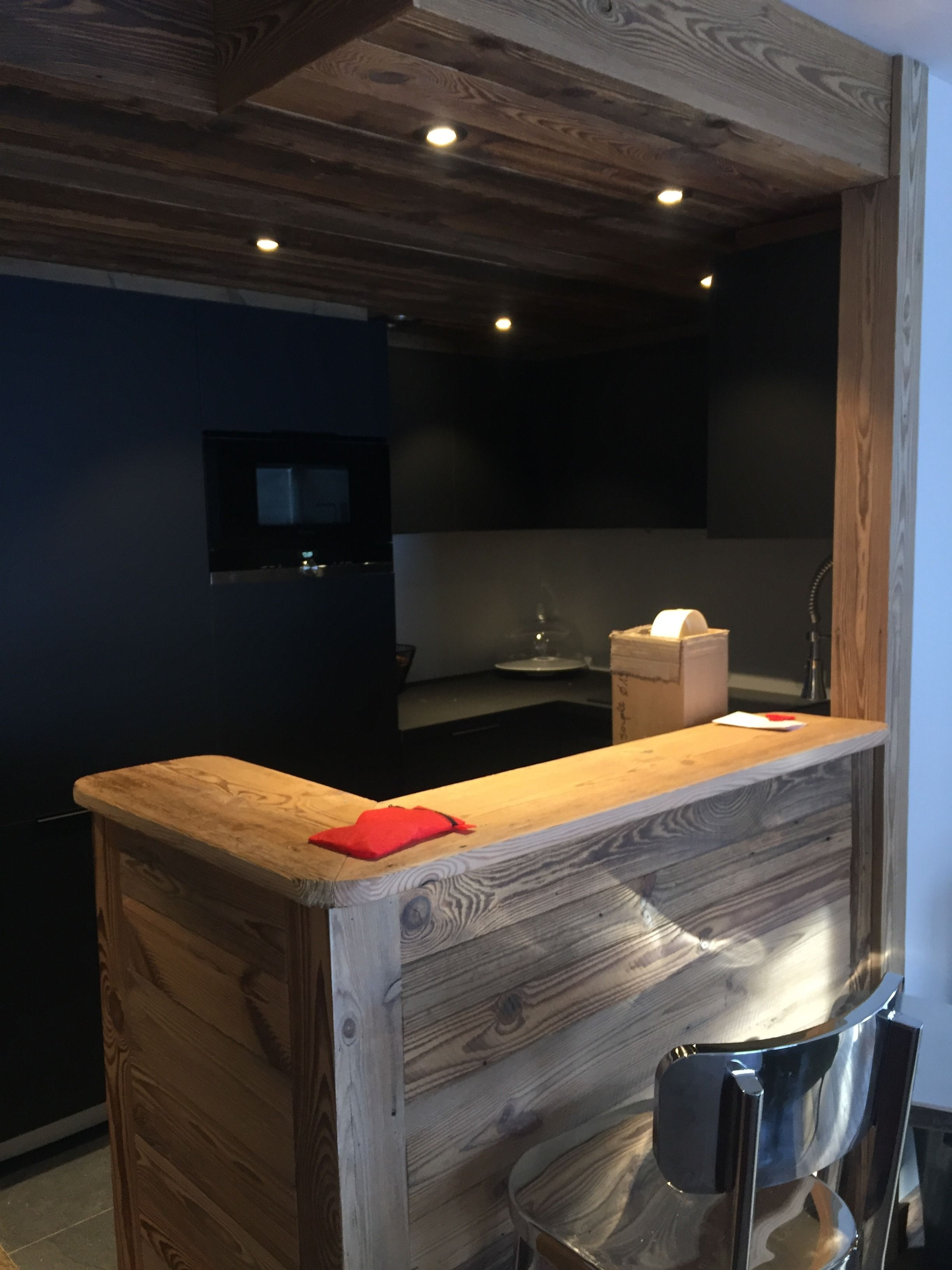 hotel-bas-des-pistes-val-isere-appartement-cuisine-bar