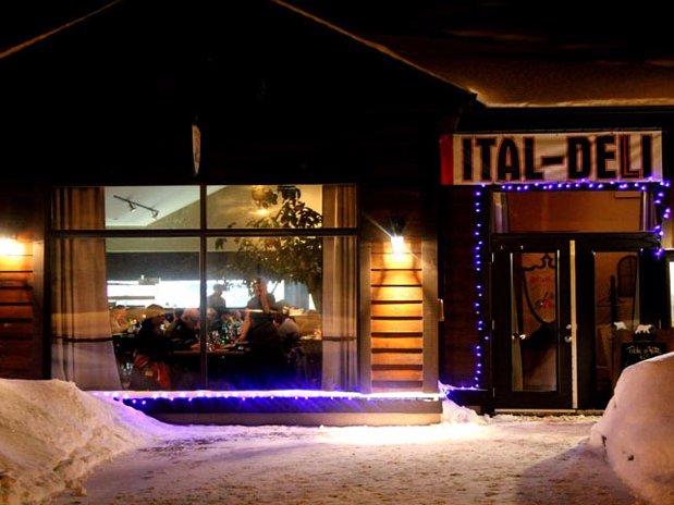 Restaurant  ItalDeli situé  à une minute  du Refuge Comfort Suites Hôtel