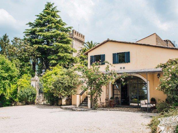 clubhouse terrazza agriturismo castello santa margherita cori