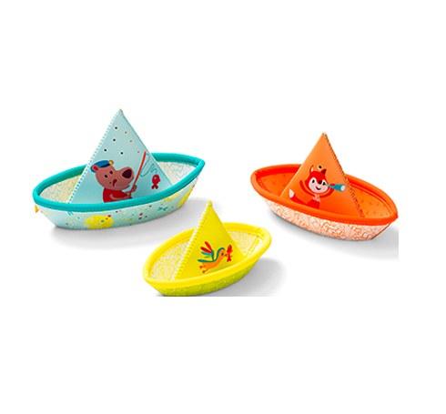86772-3-petits-bateaux-flottants