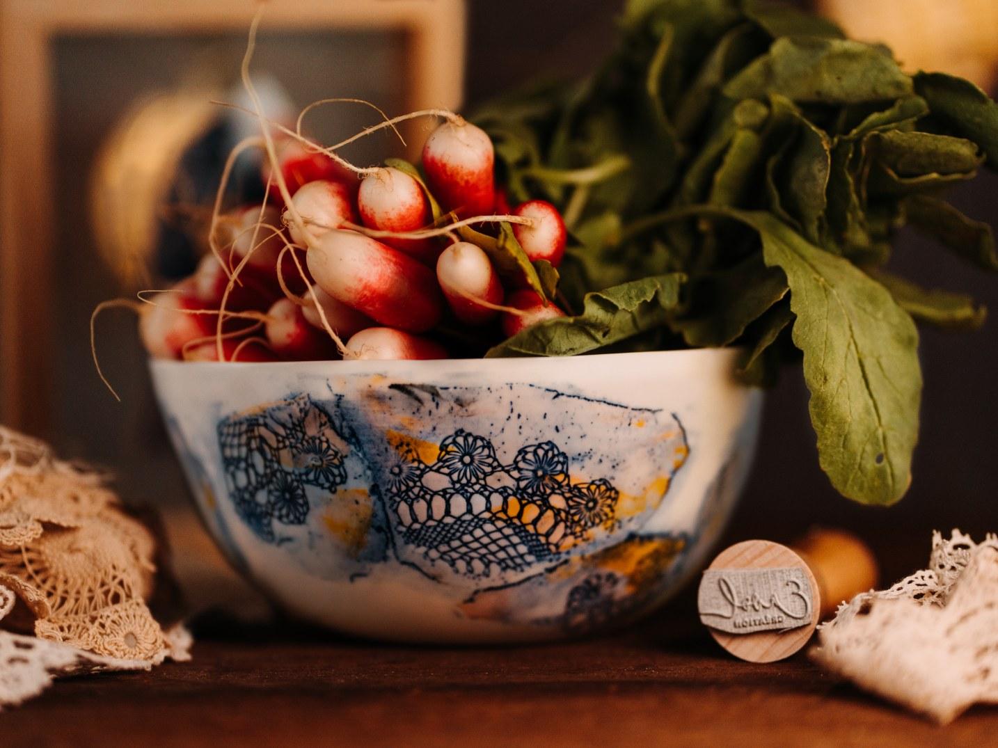 Collection Burano- Petit Saladier dentelle colorée- Photo Ambiance - sans logo