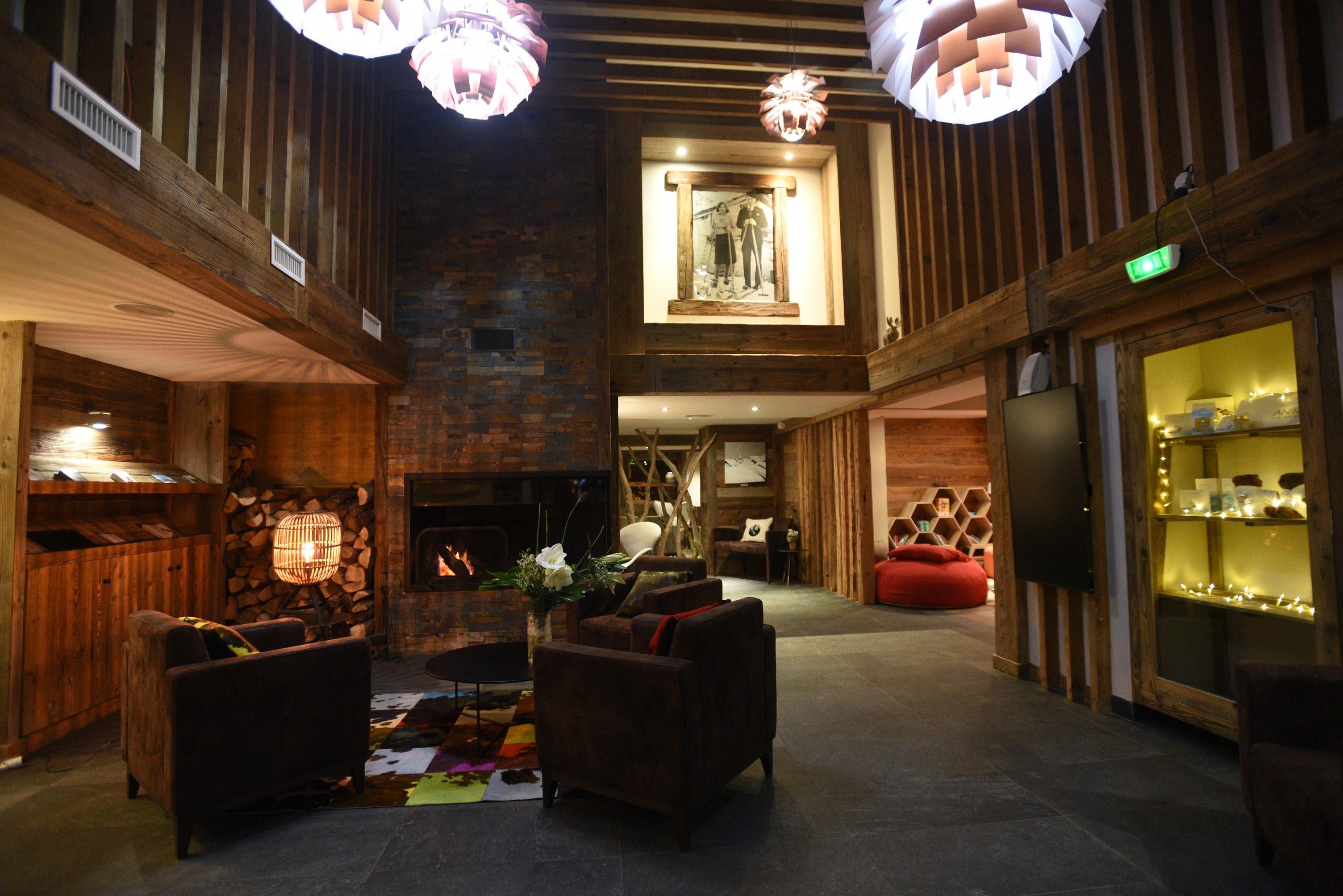 hotel-bas-des-pistes-val-isere-arrivée-accueil
