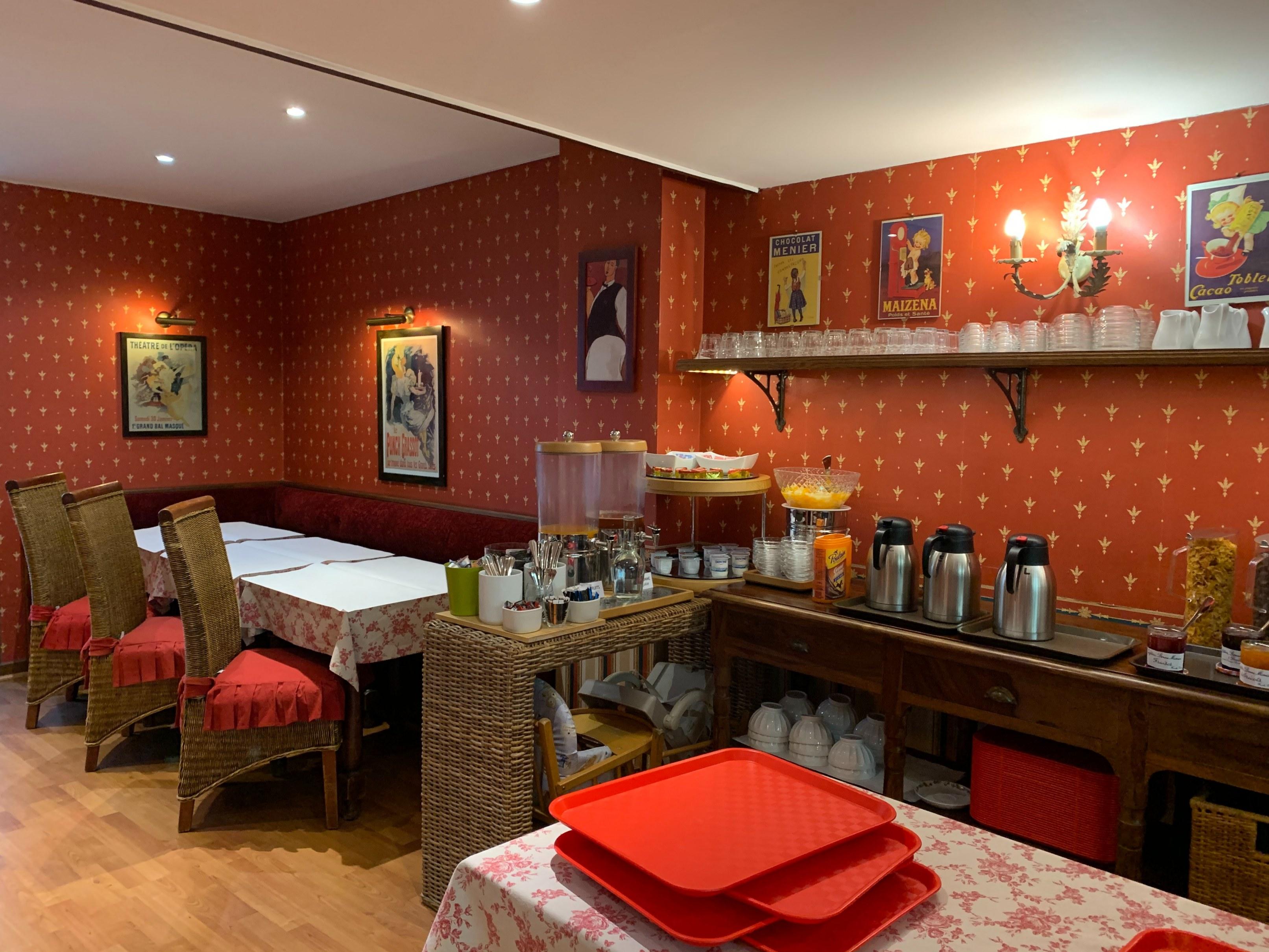 hotel-anne-de-bretagne-blois-trois-etoiles-centre-ville-salle-des-petits-déjeuners