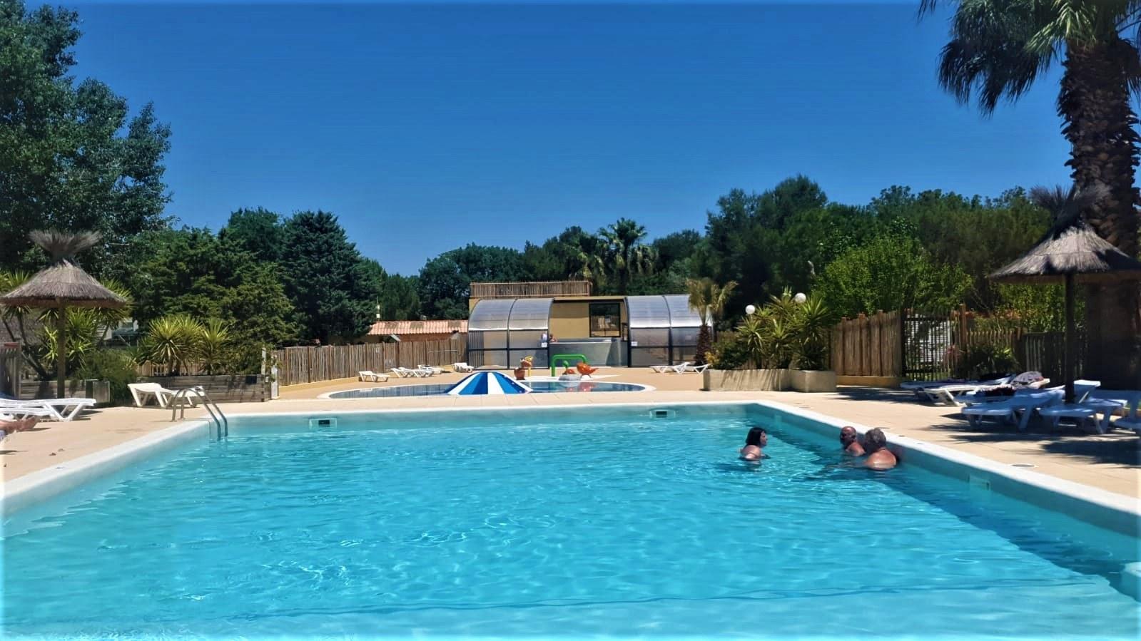 Piscine 2021 - camping familial meze plage piscine (13)