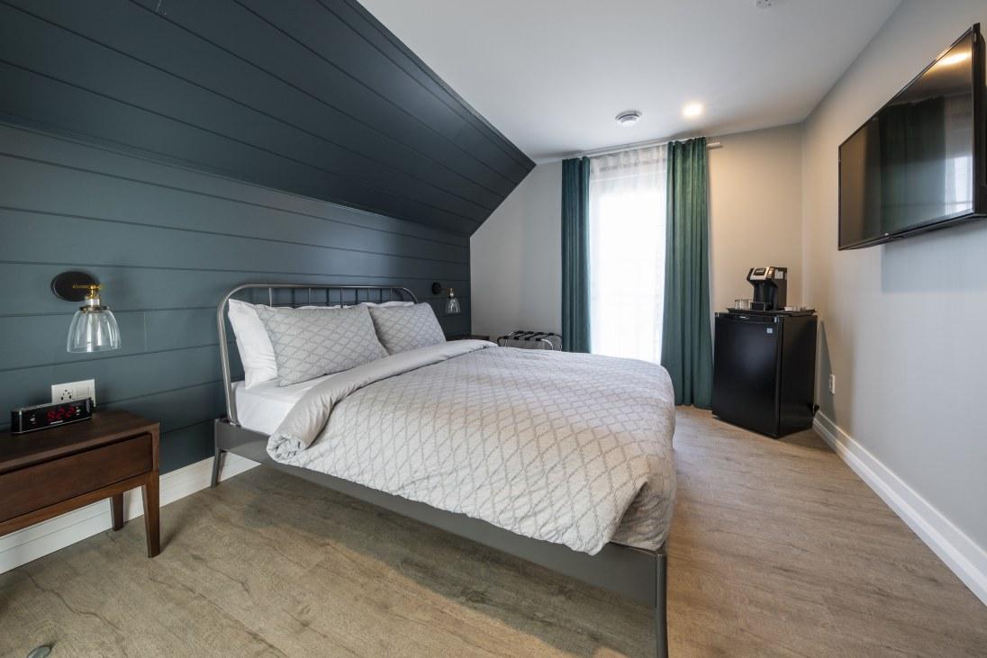 hotel-haut-st-françois-chambre-urbaine-chabre-urbaine-balcon-privé