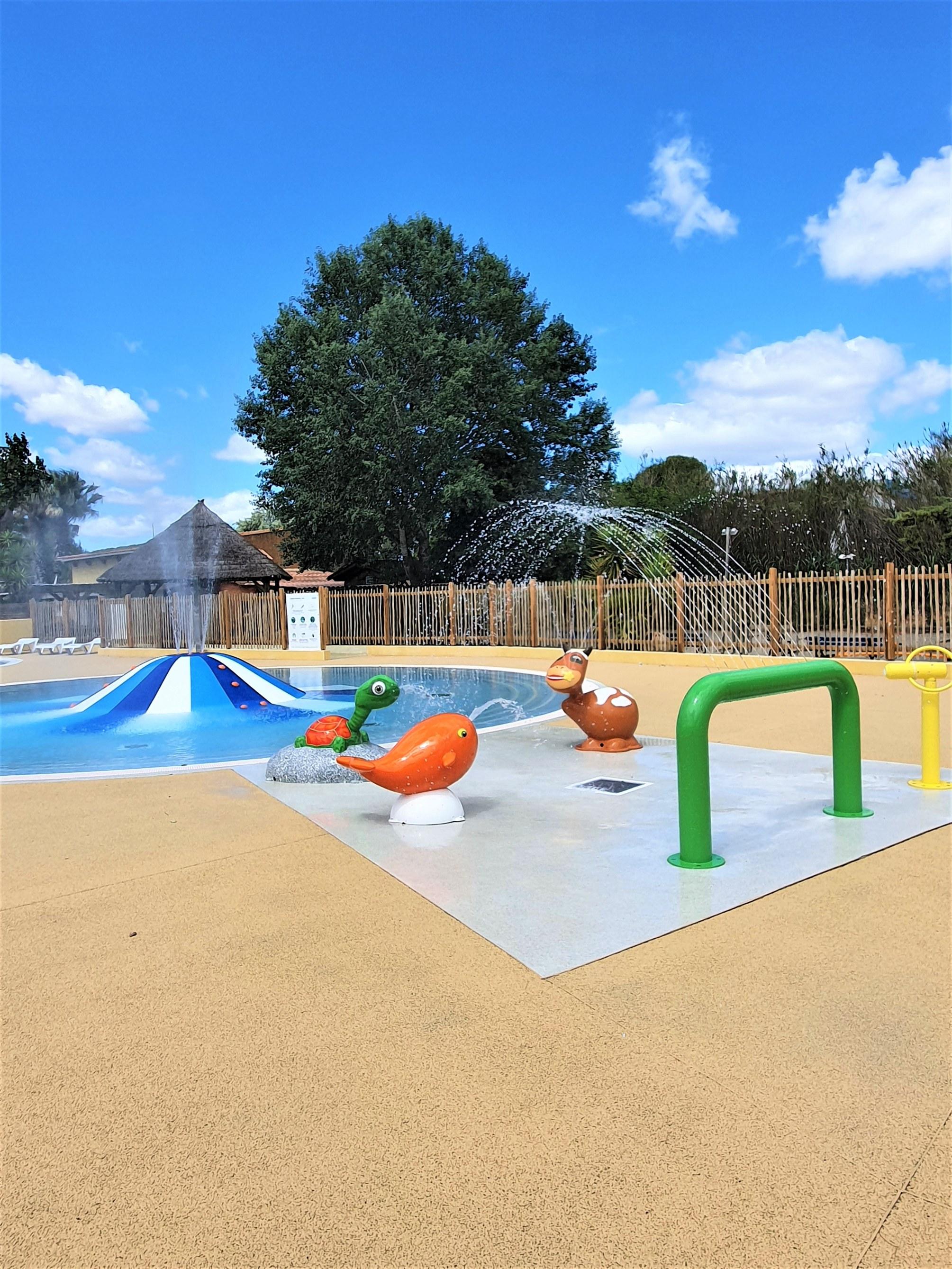 Piscine 2021 - camping familial meze plage piscine (6)