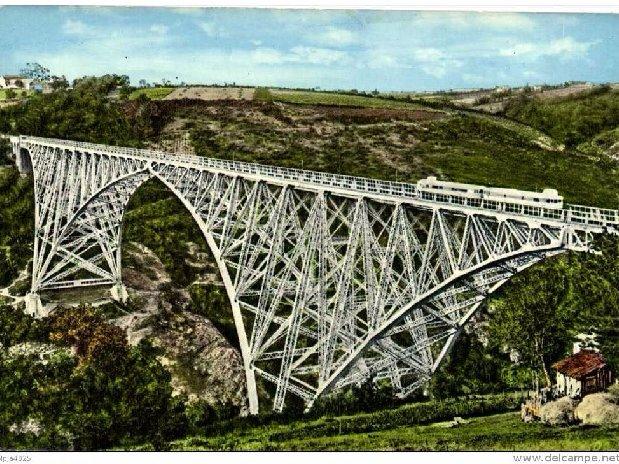 spoorbrug Viaduc de Viaur op een oude anzichtkaart ; de bomen zijn nog klein