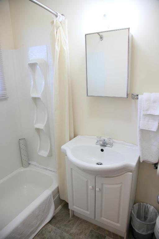 motel-sainte-flavie-chambre-salle-de-bain