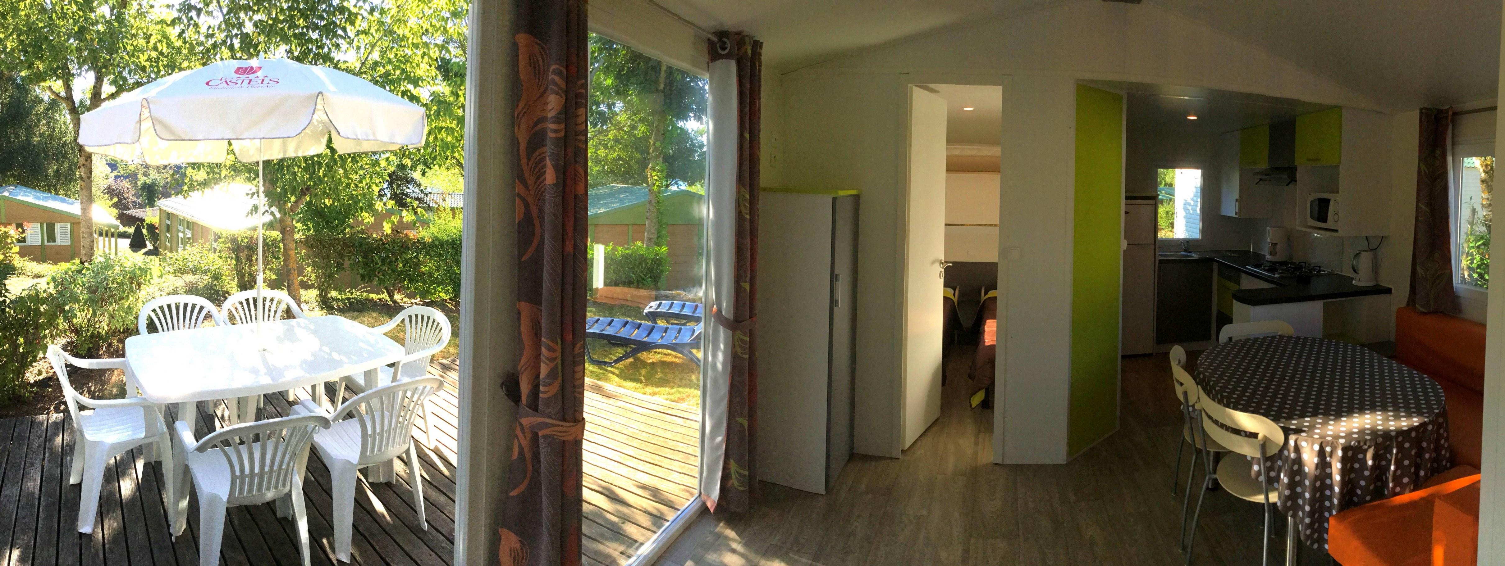 loggia confort interieur camping familial piscine Aveyron lac de pareloup