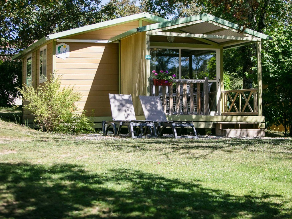 CHALET MOREA 5pers 01 camping gorges chambon familial piscine riviere perigord dordogne charente