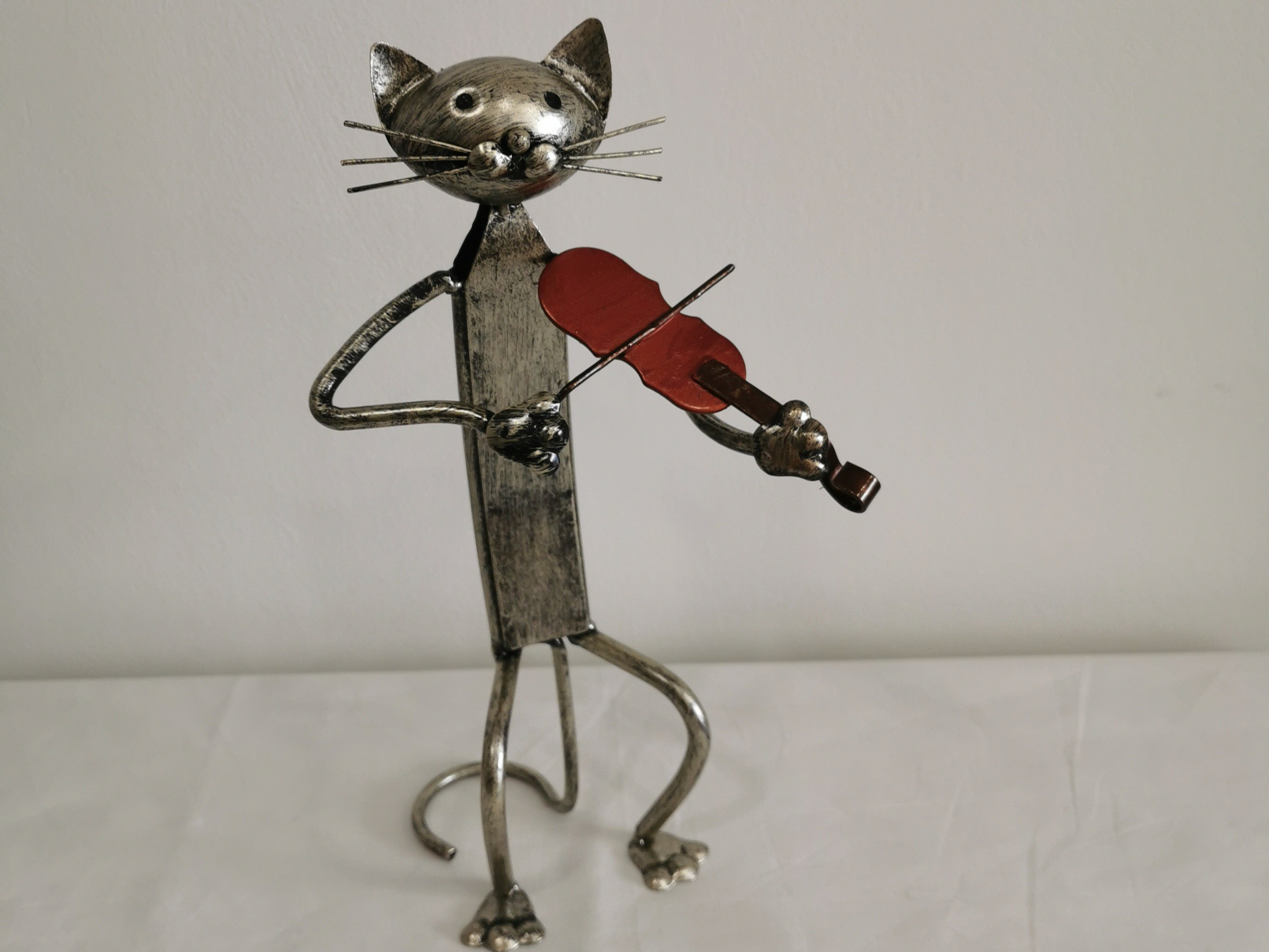 statuette chat violoniste en métal couleursdhelene.com