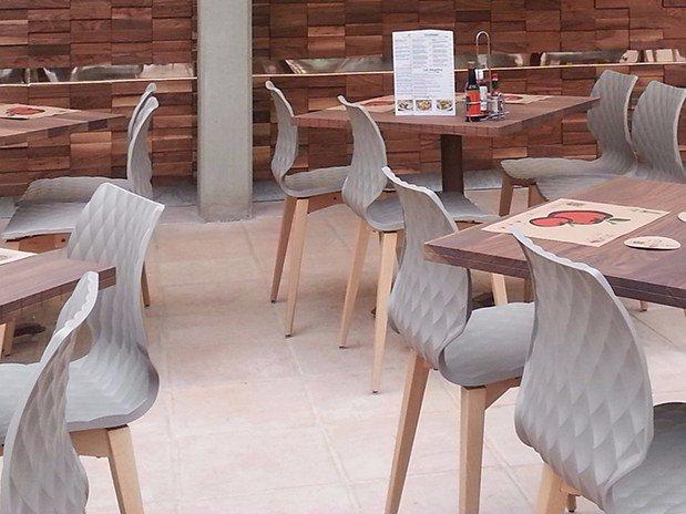 table restaurant moderne