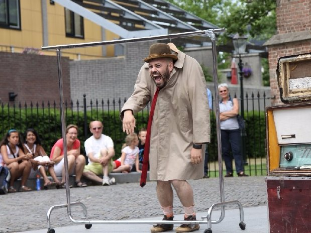 camping Le Clapas street theater