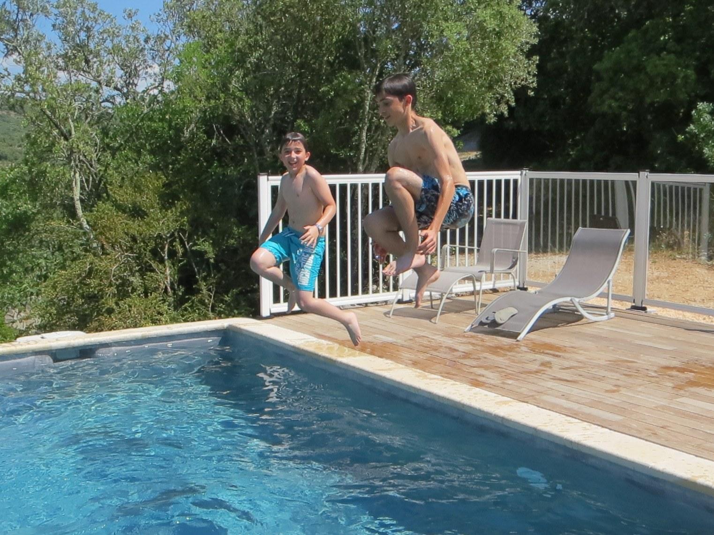 piscine-enfants-hauts-issensac