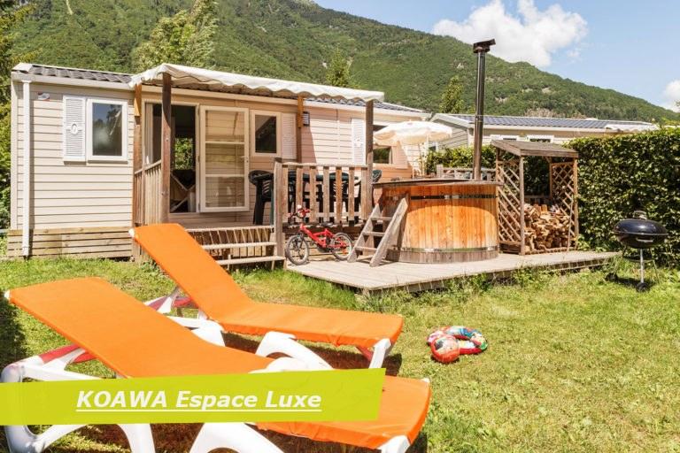 espace luxe exterieur camping Alpes d'Huez piscine montagne Isère