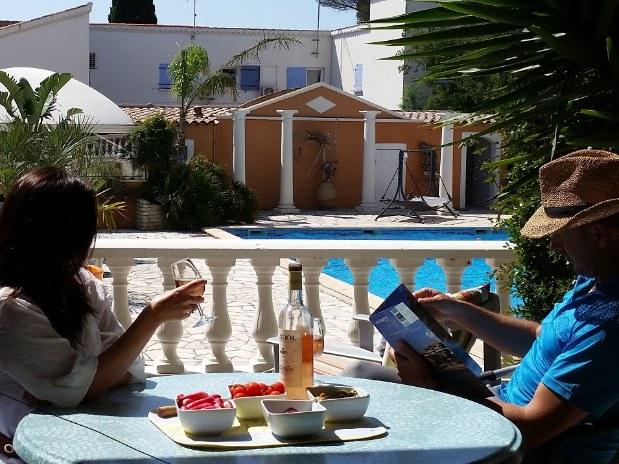 chambres_d'hotes_la_potinière-Fragonard-terrasse-chambres_d_hotes_avec piscine-chambres_d'hotes_proche_de_la_mer