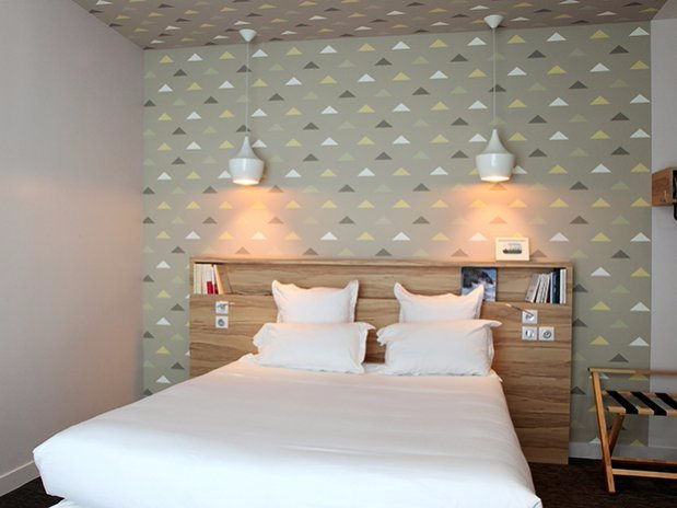 large guest room hotel
