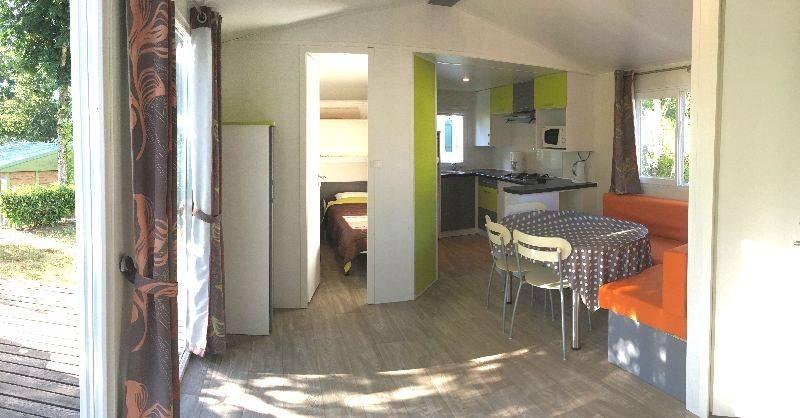 loggia confort salon camping familial piscine Aveyron lac de pareloup