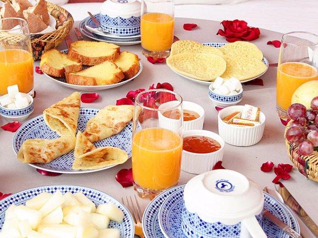 petit déjeuner marocain- terrasse riad chamali - hotel- marrakech