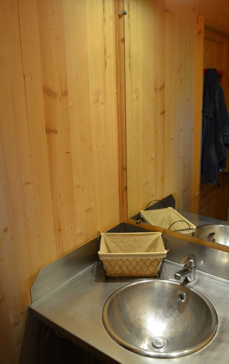 Salle de bain camping rocamadour Lot piscine chauffée padirac