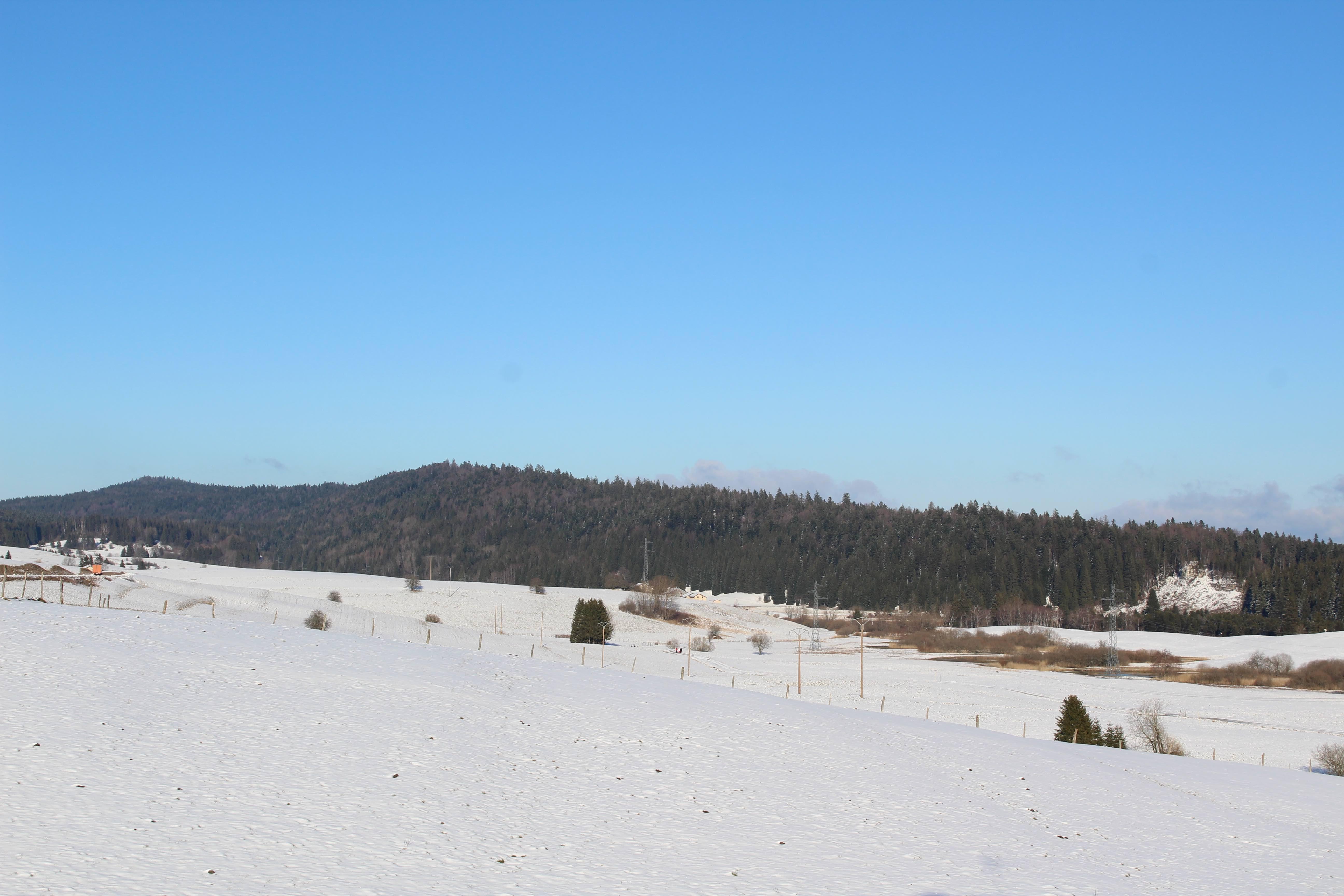 gite-groupe-jura-christophe-vue-nature-neige