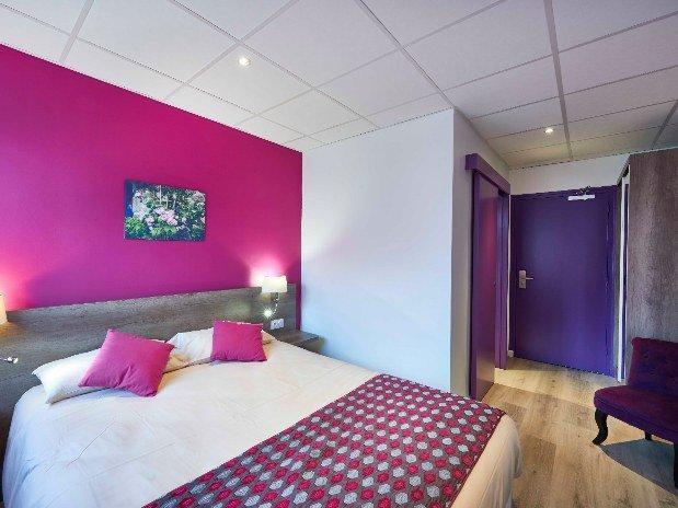cozy-hotel-cosy-d-affaires-Morlaix-chambre-double-rez-de-chaussée-fauteil