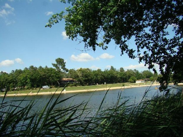 Etang Vallier Resort Brossac Lake Holiday Park