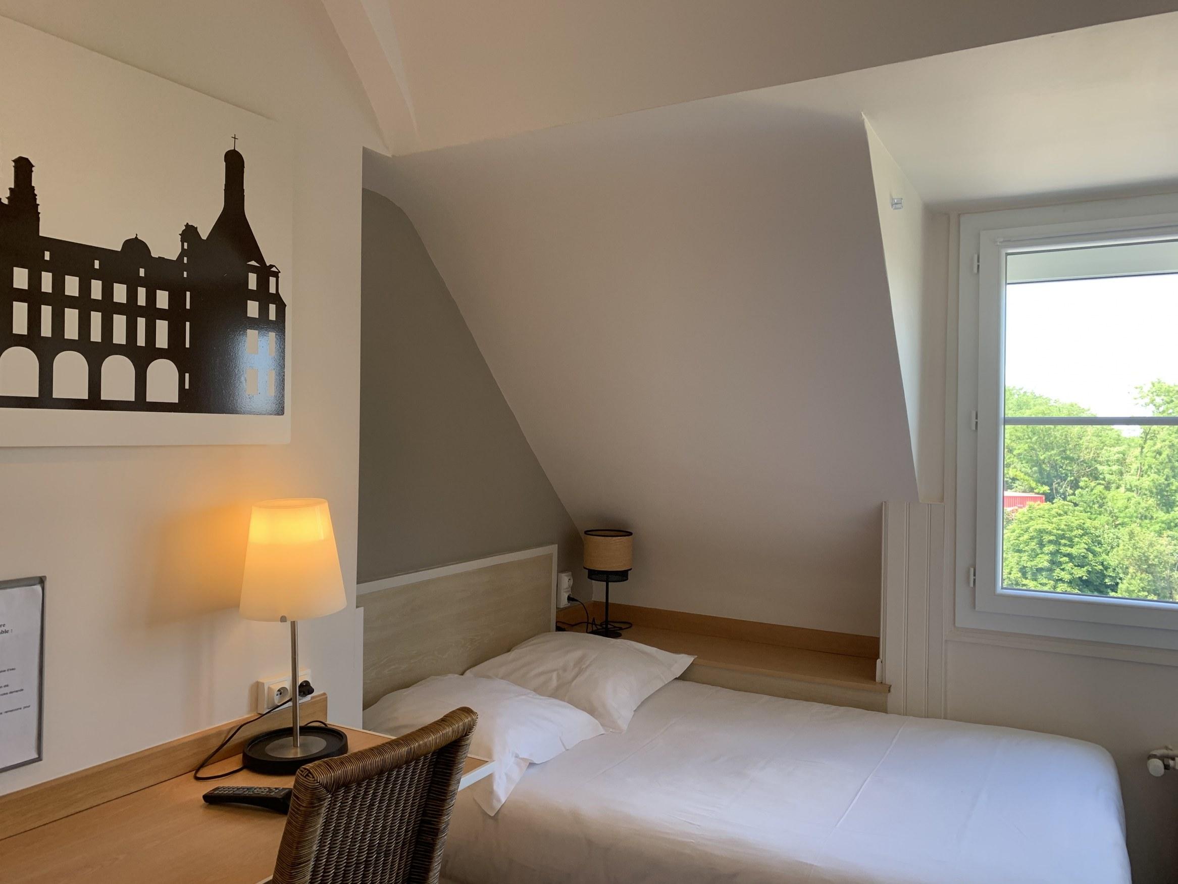 hotel-anne-de-bretagne-blois-centre-ville-chambre-individuelle-nouveaute