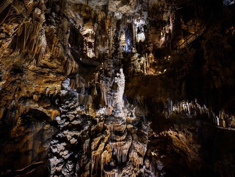 Demoiselle Cave