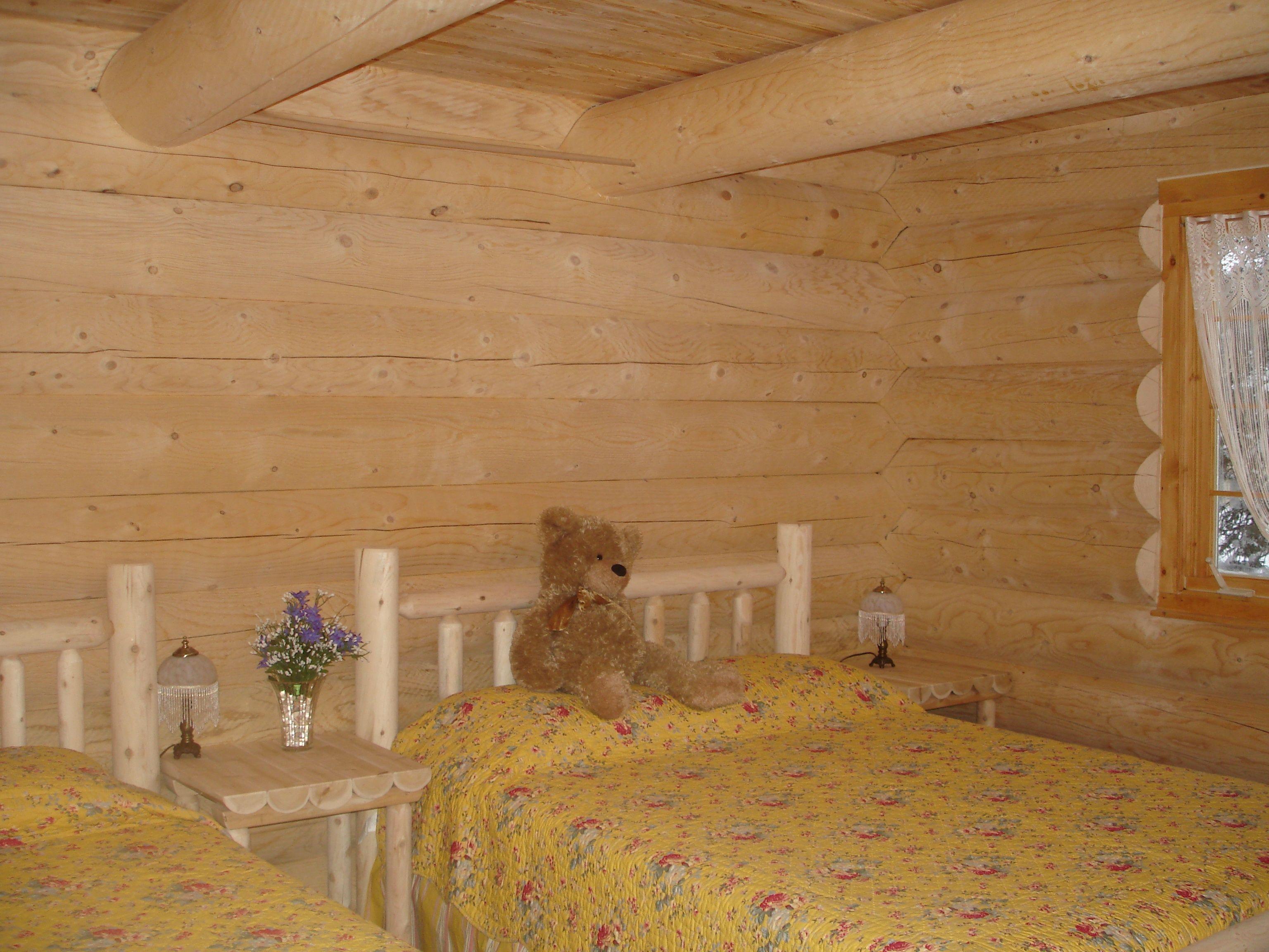 chalet-monts-valin-bois-rond-chambre-lit-double