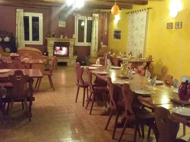 grand-gite-paca-restaurant-les-robines