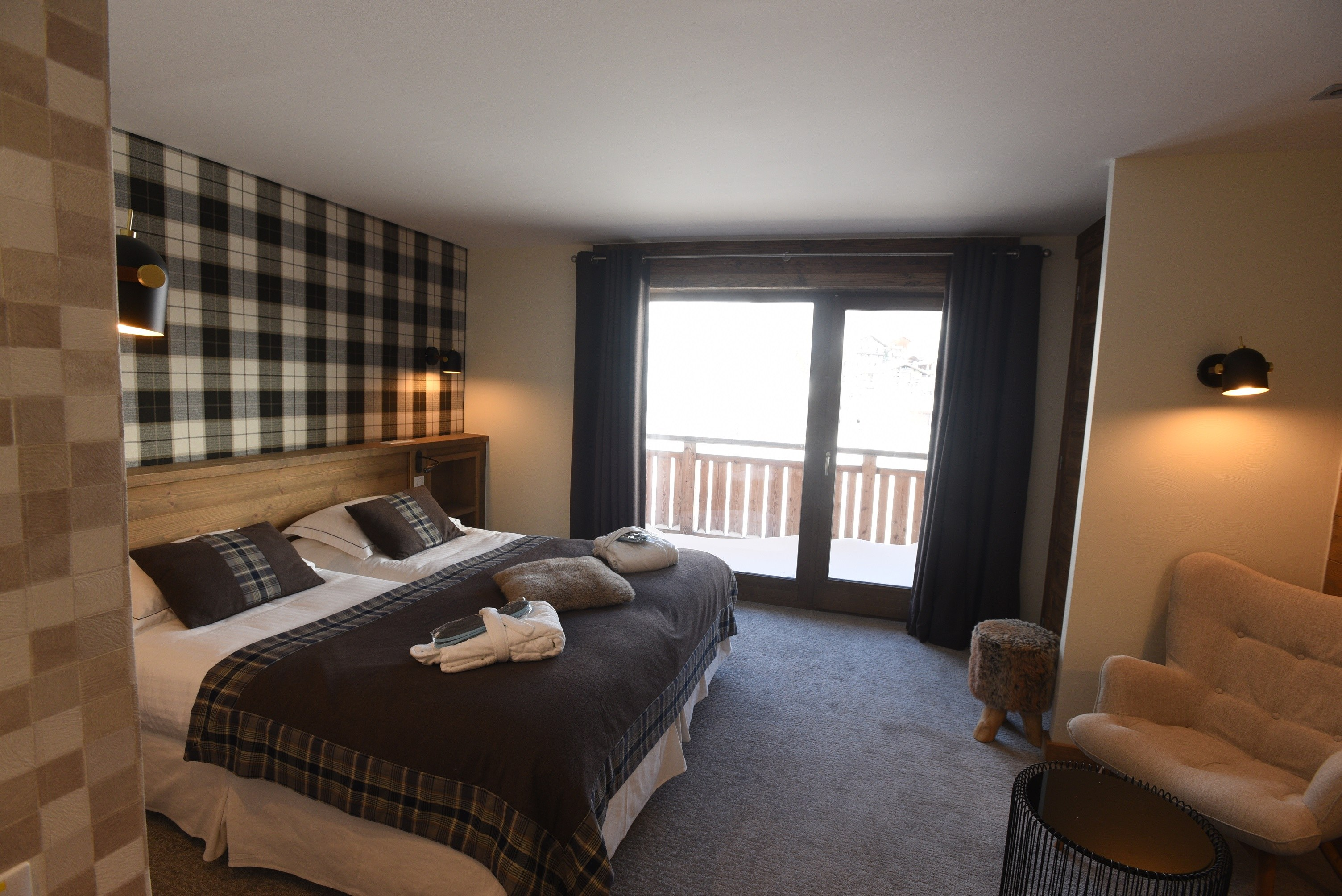 hotel-on-the-slopes-val-isere-comfort-family-room