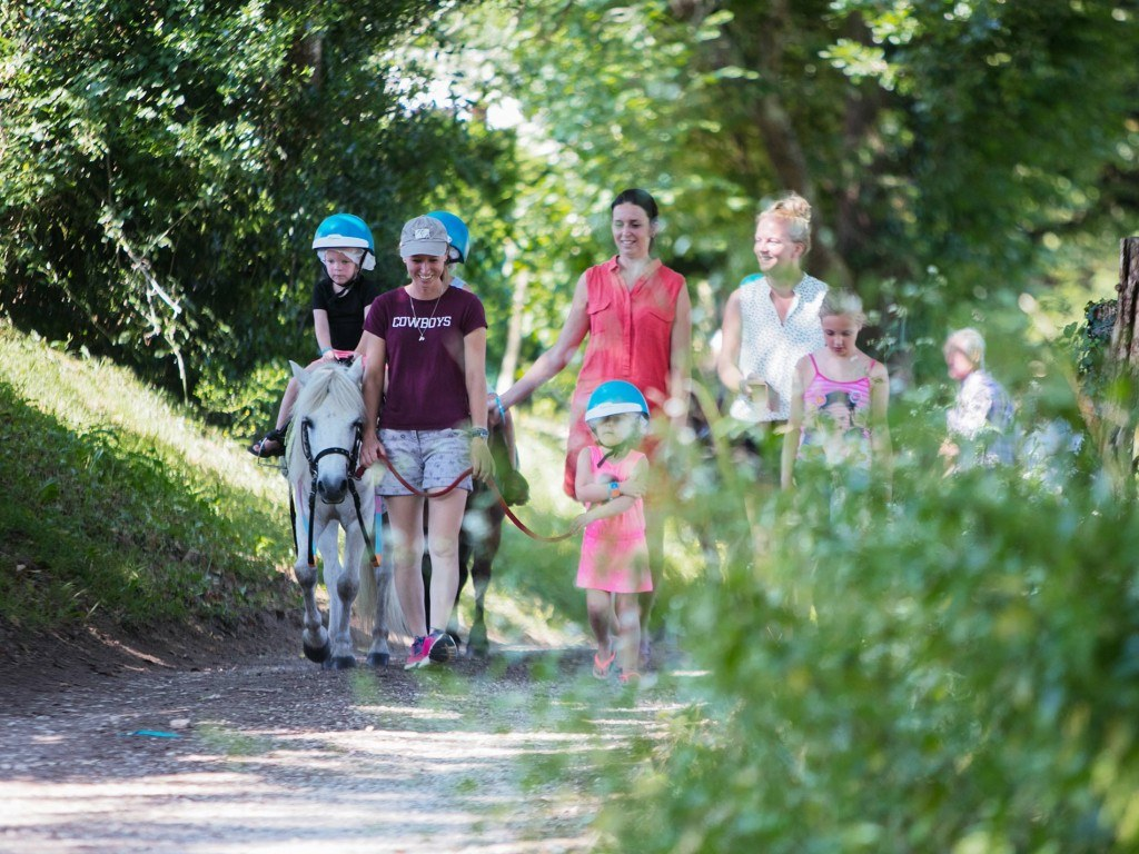 cheval sport charente camping