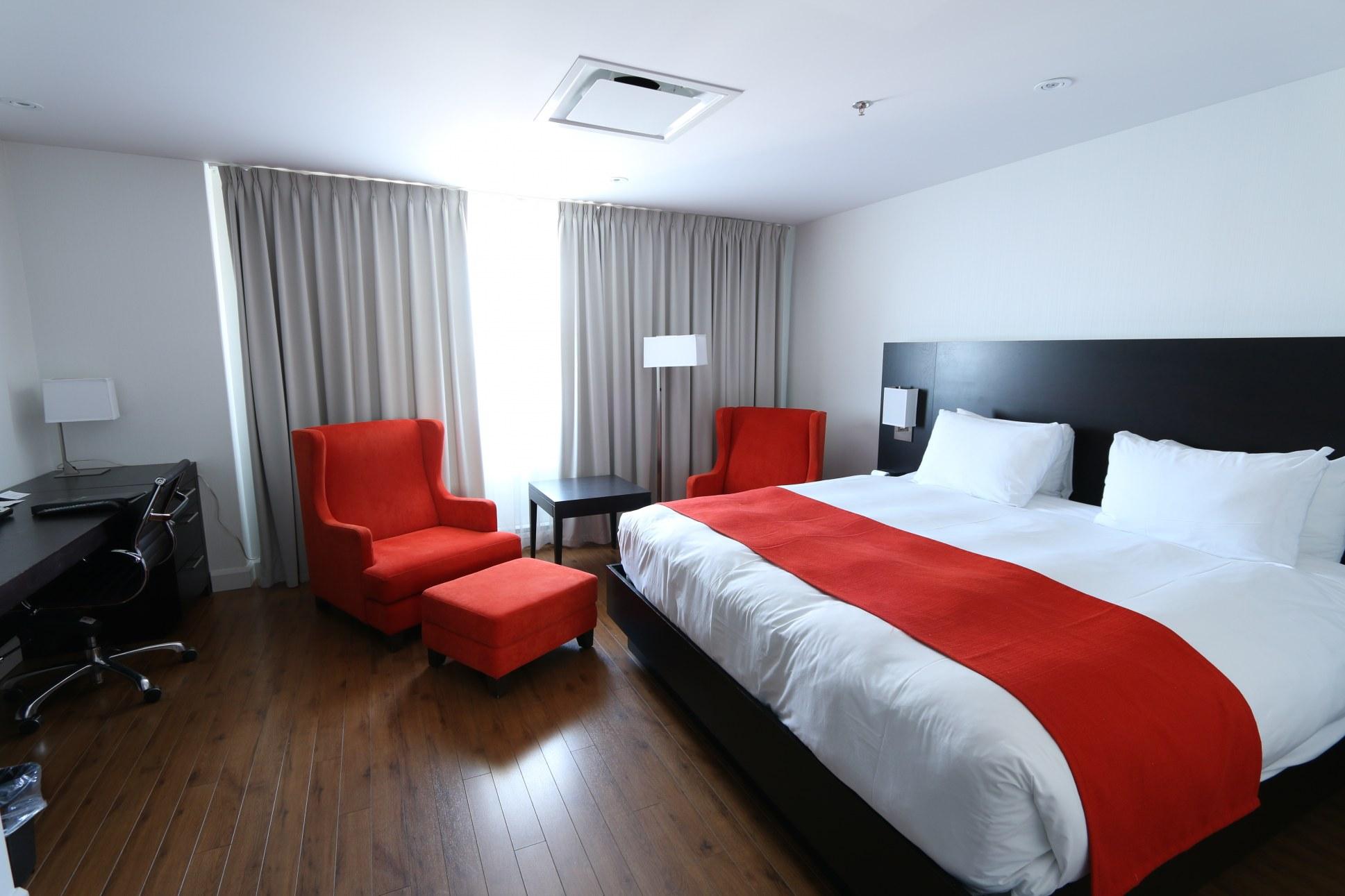 Hotel-boulevard-laurier-quebec-king-parquet