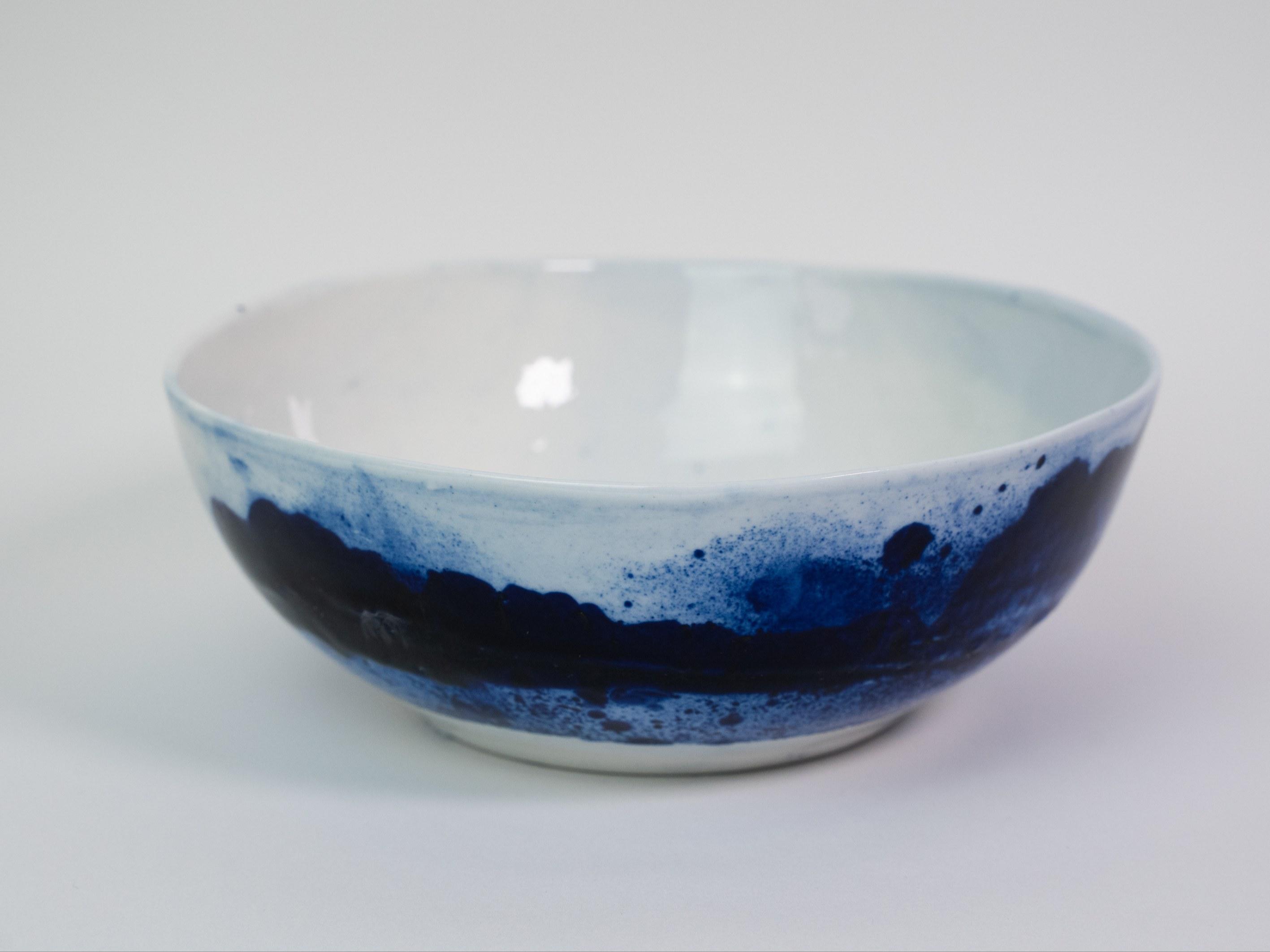 Collection Ligne Bleue -Petit saladier porcelaine bleue brillant