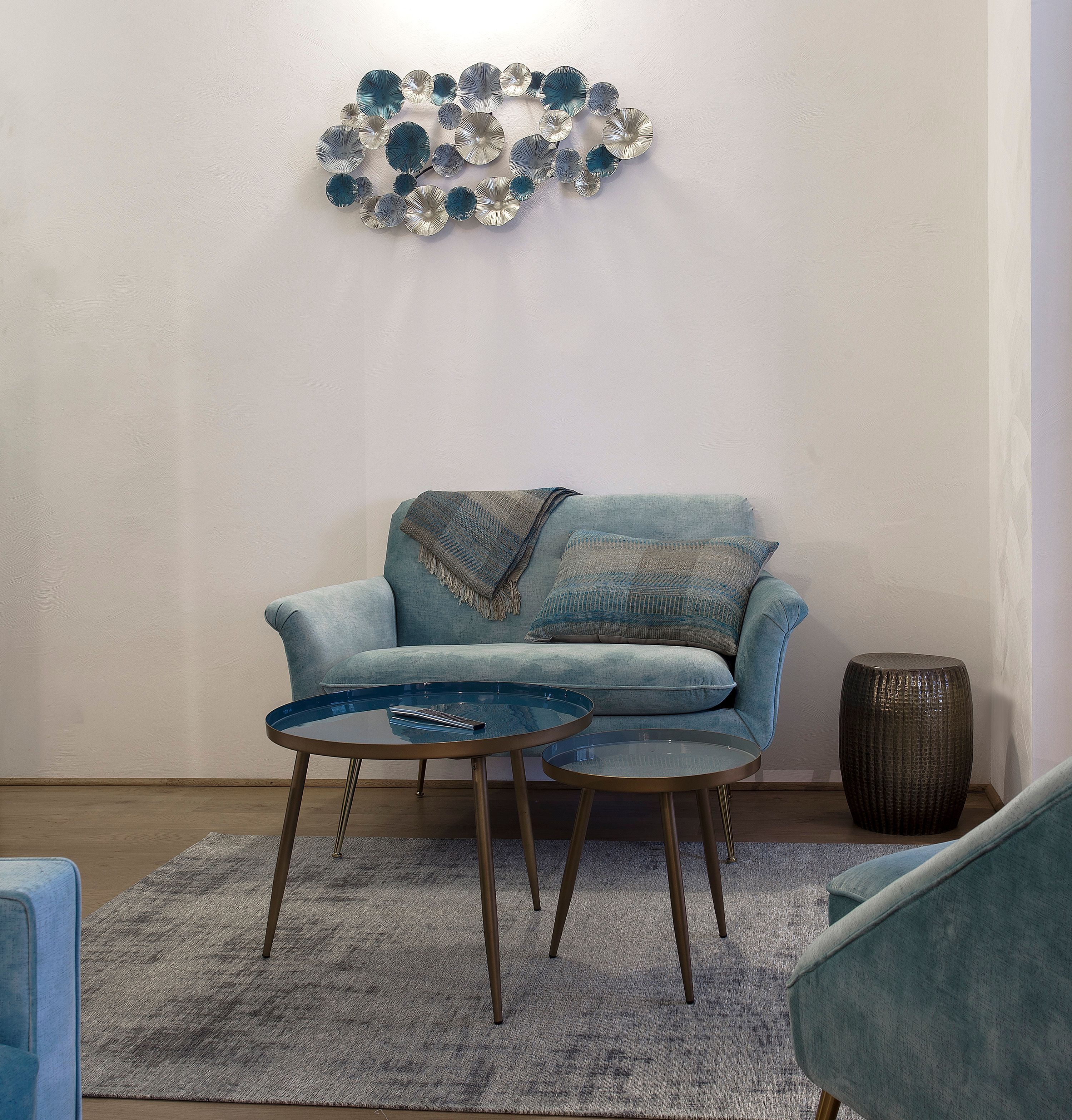 appart-hotel-angouleme-studio-cote-cour-salon-sofa